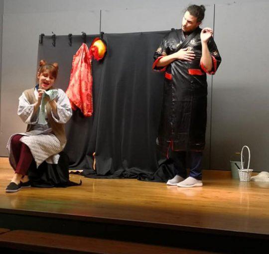 Το Θεατρο Ρετρο στο Σχολειο μας: Φωτογραφιες απο την παρασταση